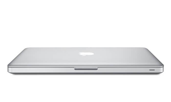 3 מחשב נייד Apple MacBook עם מסך 15.4 אינץ'