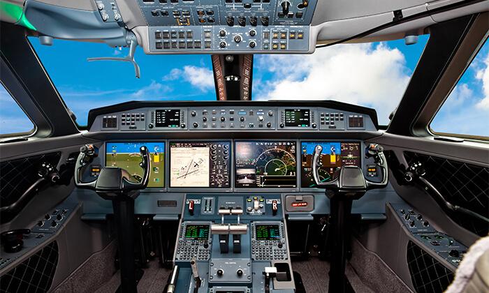 2 סימולטור טיסה מקצועי ב-FNA תעופה, הרצליה