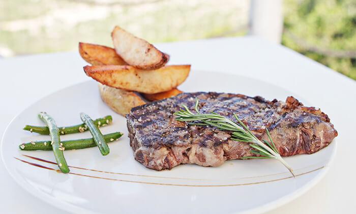 5 ארוחה זוגית כשרה, מסעדת פיצ'ונקה בפארק נס הרים