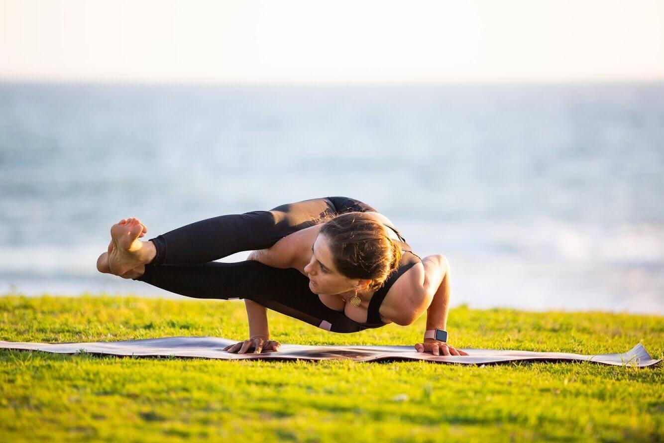 12 שיעור יוגה פרטי עם טל ארונס, תל אביב