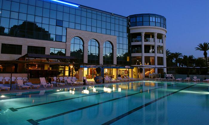 2 מלון סנטרל פארק אילת, כולל טיסות