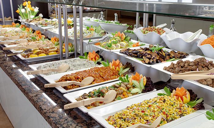 3 מסעדת חמסה הכשרה במלון קראון פלזה, ירושלים