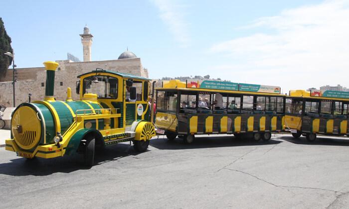 3 שובר לסיור מרתק בירושלים כולל נסיעה ברכבת הכותל