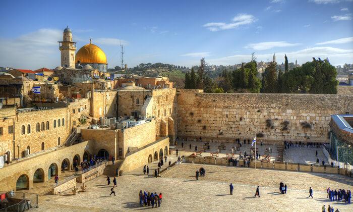 4 שובר לסיור מרתק בירושלים כולל נסיעה ברכבת הכותל
