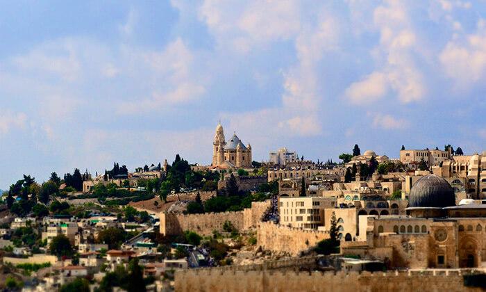 5 שובר לסיור מרתק בירושלים כולל נסיעה ברכבת הכותל