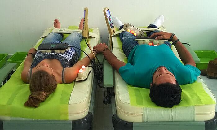 2 עיסוי תרמי במרכז לבריאות עמוד השדרה - ויטל ראייס, רחובות