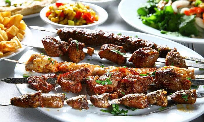 2 ארוחה במסעדת שיפודי התקווה בנמל תל אביב