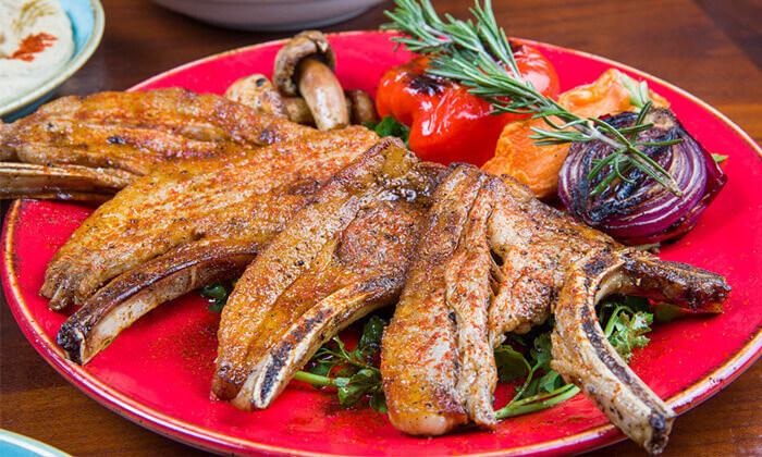 5 ארוחה זוגית במסעדת זויה גריל בר, נתניה