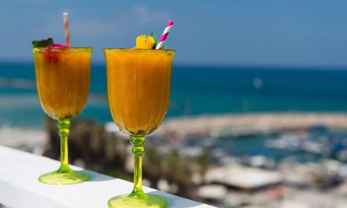 3 ארוחת בוקר בופה במלון לאונרדו ארט, חוף גורדון