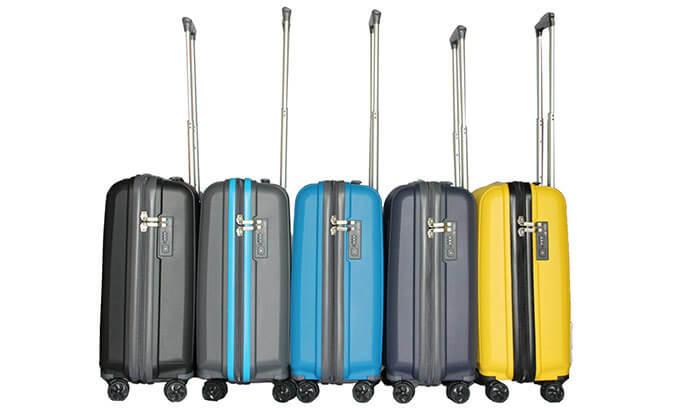 4 מזוודת נסיעות בגדלים שונים