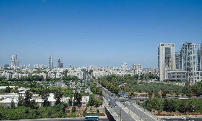 7 ארוחת בוקר בופה במלון לאונרדו סיטי טאוור, תל אביב
