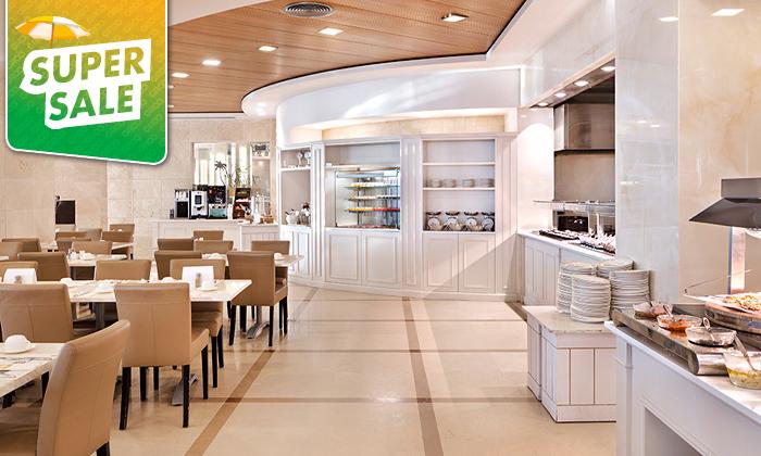 6 יום כיף עם עיסוי וארוחה בספא מלון הוד המדבר, ים המלח
