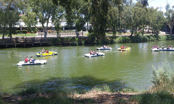 3 דיל חגיגת קיץ: שייט בנחל הירקון, תל אביב