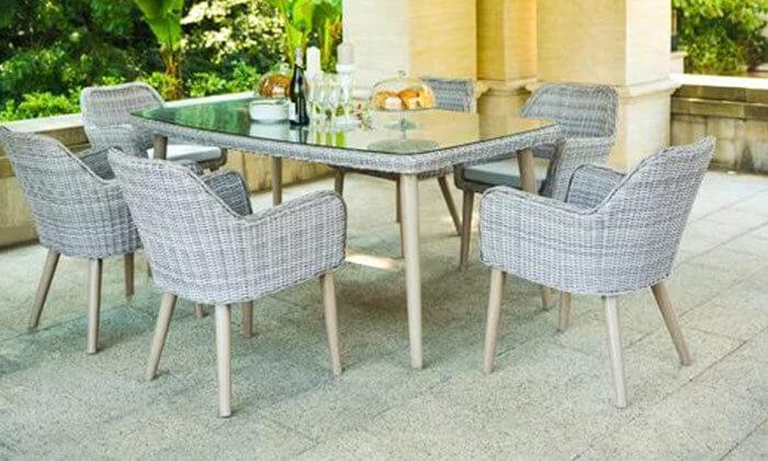 5 פינת אוכל לגינה עם כסאות תואמים