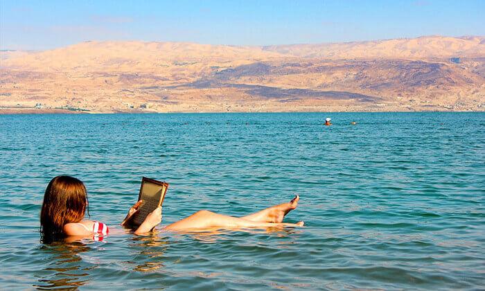 2 חוף ביאנקיני ים המלח - כרטיס כניסה וארוחה