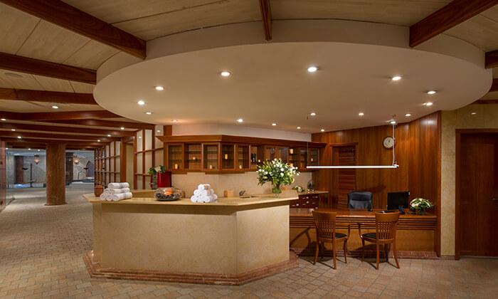5 יום פינוק כולל עיסוי וארוחת בוקר בספא בזלת במלון חוף גיא, טבריה
