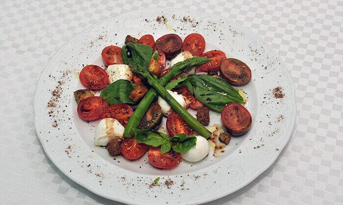 6 ארוחה זוגית במונטיפיורי הכשרה מול חומות העיר העתיקה