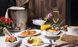 ארוחת בוקר במלון מגדל דוד