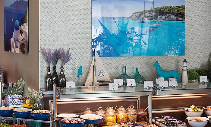 4 ארוחת בוקר או בראנץ' במסעדת אנדיב, מלון ווסט בוטיק אשדוד