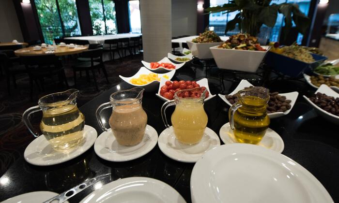 9 ארוחת בוקר בופה במלון הבוטיק אייל, ירושלים