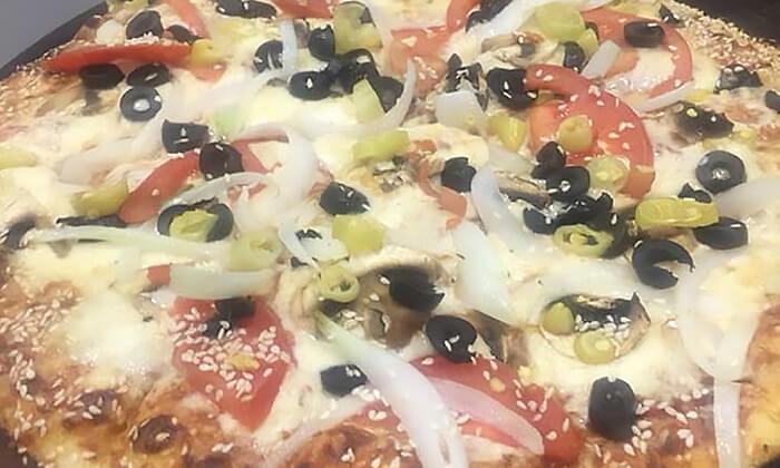 4 פיצה אישית או משפחתית בפיצה טיים, נתניה