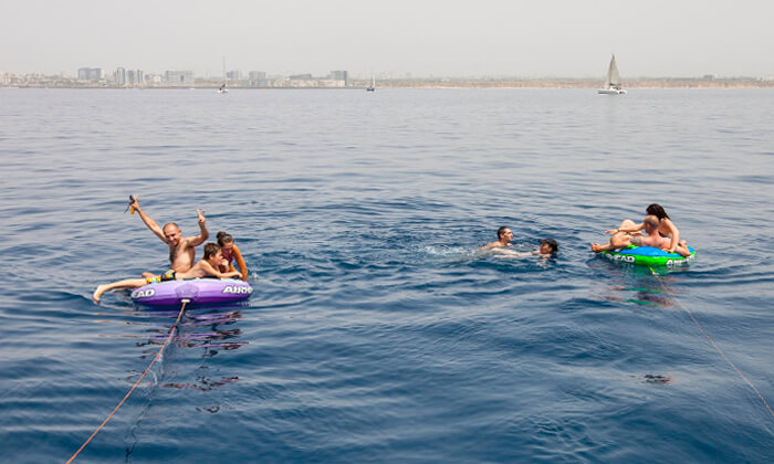 7 הפלגה זוגית או קבוצתית ביאכטה במרינה הרצליה