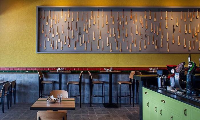 8 דיל חגיגת קיץ: מנת חומוס במסעדת אלבי, באר שבע