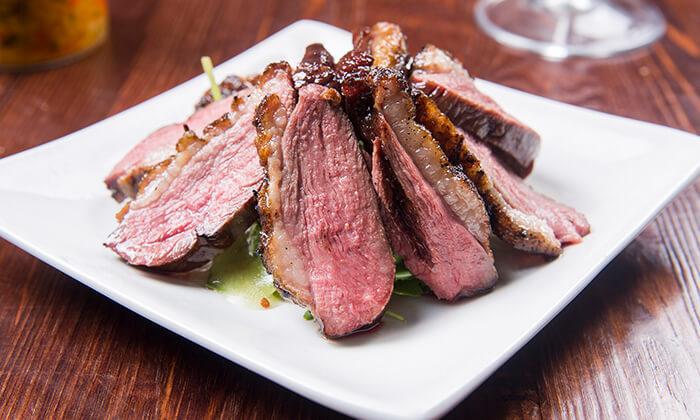 9 ארוחת בשרים זוגית במסעדת פיקניה הכשרה, רעננה