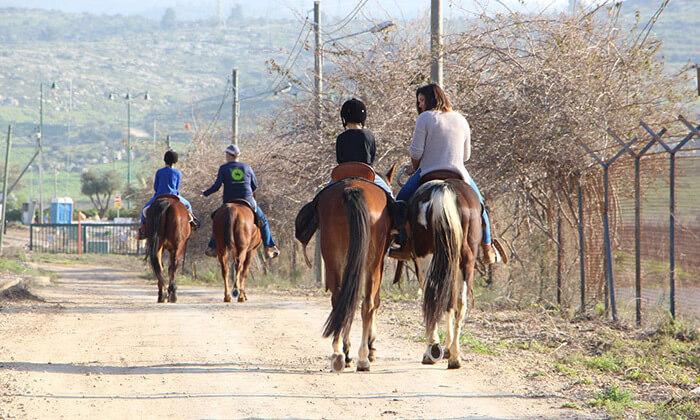 6 חוות צהלה - רכיבה על סוסים