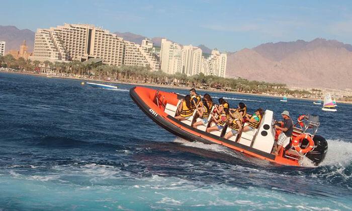 2 שייט על סירת טורנדו ואבובים, חוף נביעות אילת