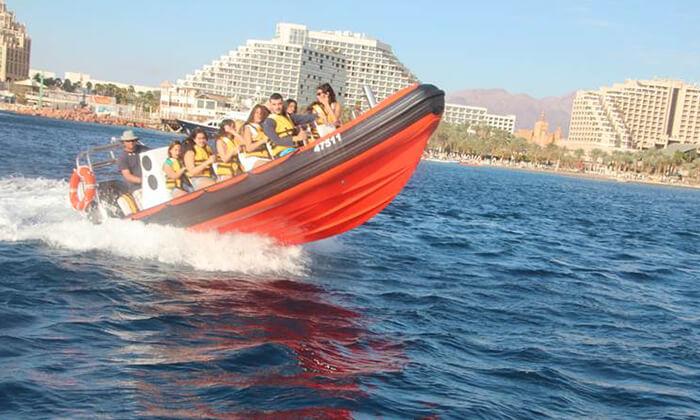 5 שייט על סירת טורנדו ואבובים, חוף נביעות אילת