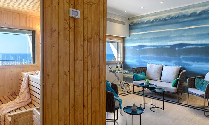 3 יום כיף זוגי עם עיסוי ב-Share Spa במלון לאונרדו ארט, חוף גורדון