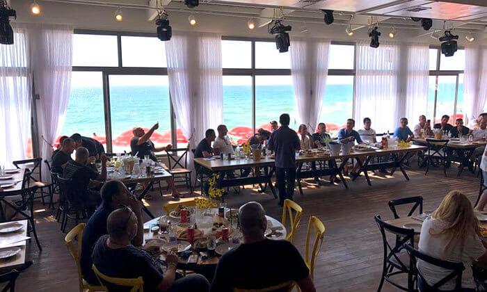 3 עיקריות במסעדת קאזה הכשרה, טיילת בת ים