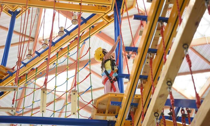 3 3 קומות של אדרנלין: כניסה לפארק החבלים בקניון אייס מול אילת