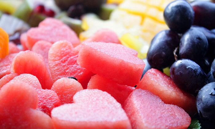 4 הזמנת מגשי פירות אקזוטיים עם 3 יחידות סושי פירות מתנה