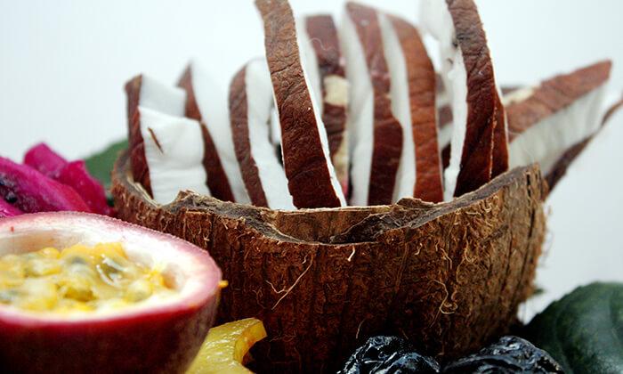 7 הזמנת מגשי פירות אקזוטיים עם 3 יחידות סושי פירות מתנה