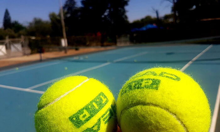 2 אימוני טניס לילדים ולנוער בבית ספר לטניס, נווה ימין