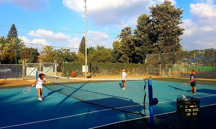 6 אימוני טניס לילדים ולנוער בבית ספר לטניס, נווה ימין