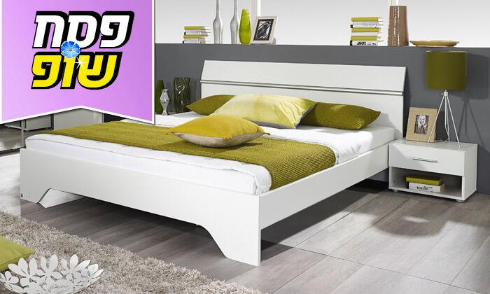 5 שמרת הזורע: מיטה זוגית עם זוג שידות לילה