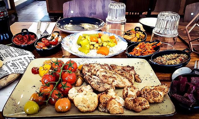 3 ארוחה זוגית מרוקאית במסעדת טרומפטה הכשרה בקריית ביאליק