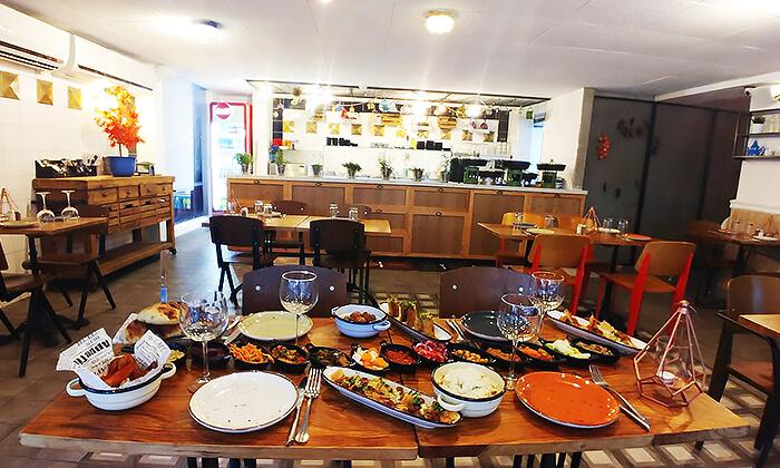 13 ארוחה זוגית מרוקאית במסעדת טרומפטה הכשרה בקריית ביאליק