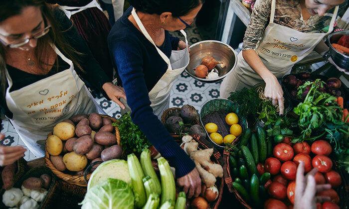 2 סדנת בישול אסייאתי במבשלים חוויה - הבית של סדנאות הבישול, תל אביב