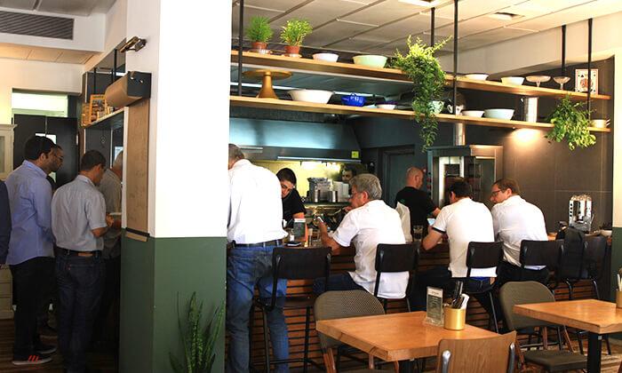 6 ארוחת בשרים במסעדת פטרוזיליה הכשרה, שדרות רוטשילד תל אביב