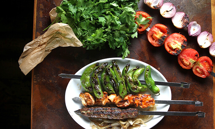 8 ארוחת בשרים במסעדת פטרוזיליה הכשרה, שדרות רוטשילד תל אביב