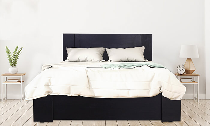 3 מיטה עם מזרן