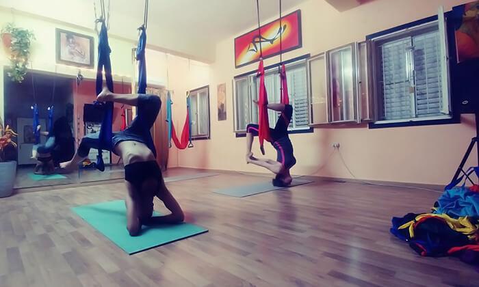2 שיעור יוגה ערסלים בסטודיו פליי פיטנס, חיפה
