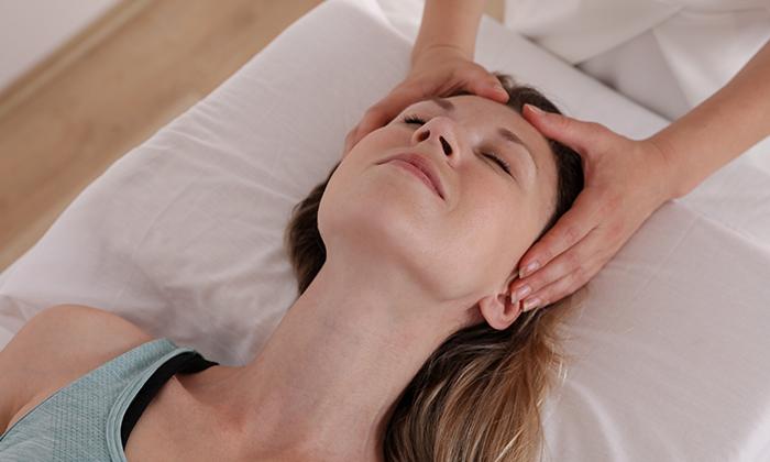 2 עיסוי כתפיים, צוואר וגב עליון ב-Beauty Clinic Maxia, אשדוד