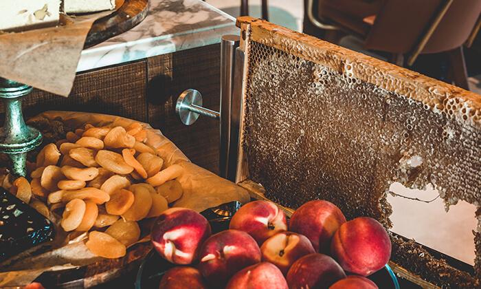 6 ארוחת בוקר בסגנון בופה במלון הבוטיק 'טריפ ירושלים בת שבע'