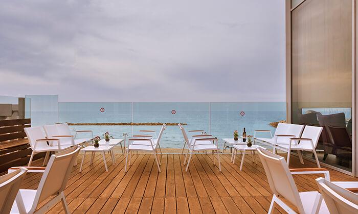 8 חבילת ספא עם עיסוי במלון קראון פלזה, תל אביב