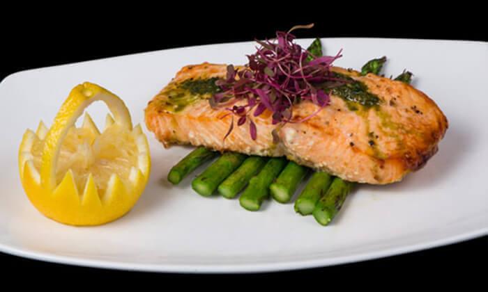 7 ארוחה זוגית כשרה, מסעדת פיצ'ונקה בפארק נס הרים